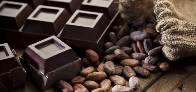 propiedades nutricionales del chocolate negro por nutricienta