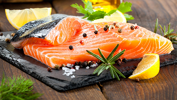 propiedades nutricionales del salmón fresco por nutricienta