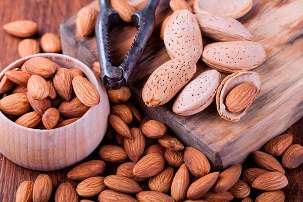 propiedades e informacion nutricional de las almendras por nutricienta