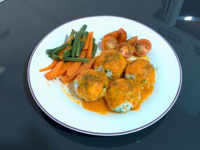Alb ndigas de merluza al vapor con verduras receta paso for Albondigas de verduras
