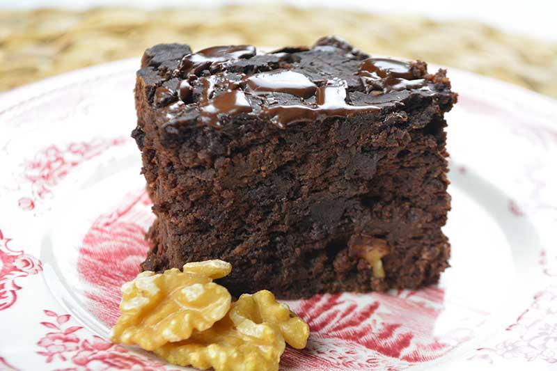 Delicioso, sano y nutritivo brownie de chocolate sin az?car, ni harinas. Hecho con garbanzos.