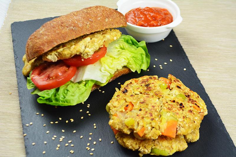 hamburgresas veganas de tofu y verduras por nutricienta