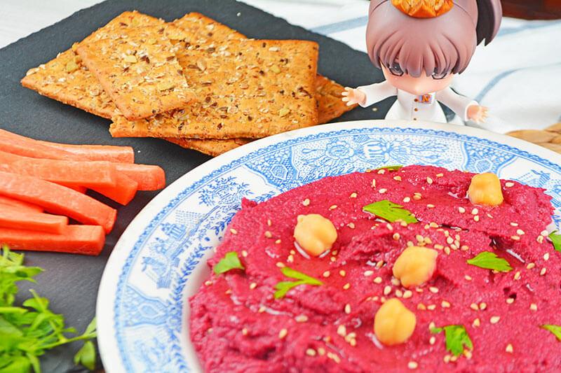 receta de un delicioso y sano hummus de remolacha o betabel con todas sus propiedades nutricionales por nutricienta