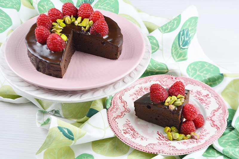 deliciosa tarta de chocolate con 2 ingredientes, sin harina y sin azucar 1