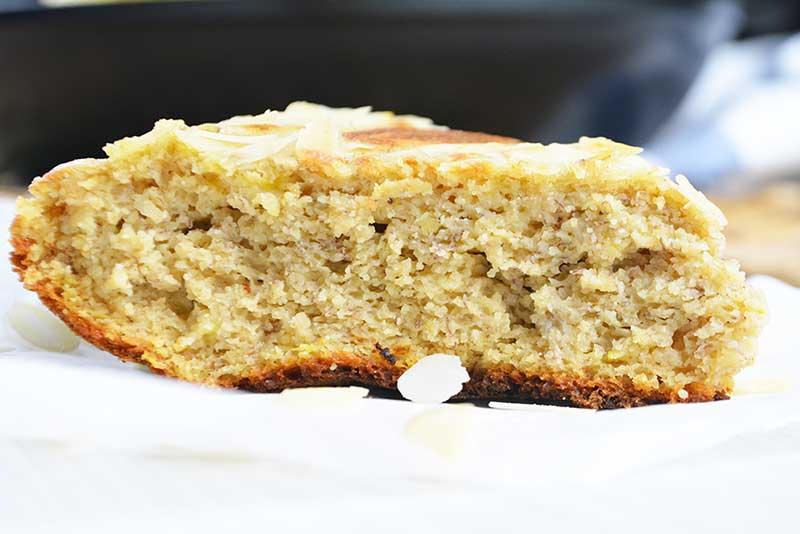 torta o bizcocho de avena y platano sin horno
